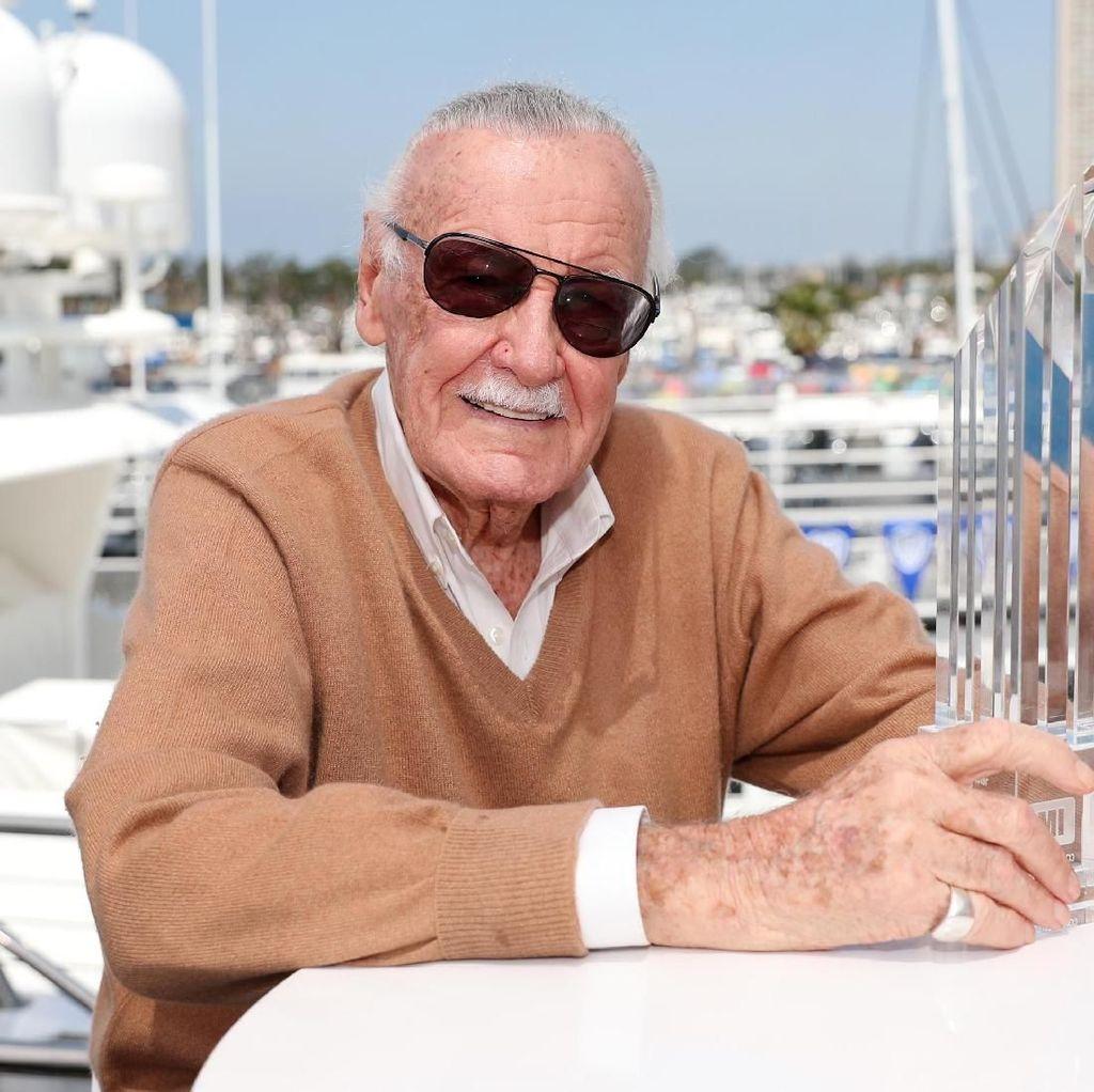 Stan Lee Meninggal Dunia, Netizen Pecinta #Marvel Berduka