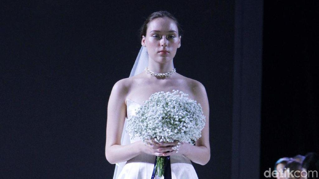 Stella Rissa Pertamakalinya Rilis Gaun Pengantin, Seperti Ini Koleksinya