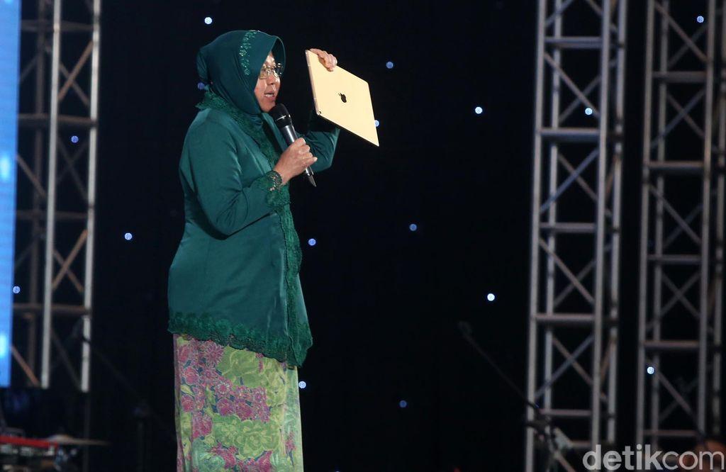 Risma berpidato soal generasi digital saat pembukaan Innocreativation di Grand City Convention Hall, Surabaya, Rabu (14/11/2018).