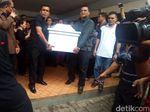 Jenazah Satu Keluarga Korban Pembunuhan di Bekasi Dibawa ke Samosir