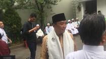 Temui Maruf Amin, Imam Nahrawi Bahas Sepakbola dan Diberi Serban