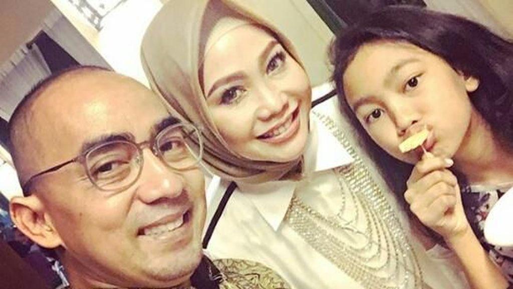 7 Foto Keluarga Ucie Nurul, Pemeran Film Petualangan Sherina