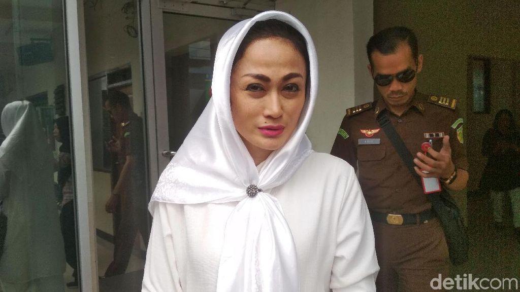 Penghulu Tegaskan Tak Pernah Nikahkan BS dan Sisca Dewi