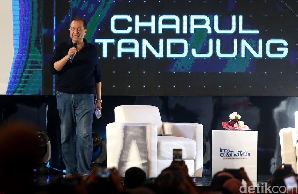 Founder and Chairman CT Corp, Chairul Tanjung (CT) saat memaparkan pengalamannya membangun bisnis start up dalam talkshow CEO vs CEO.