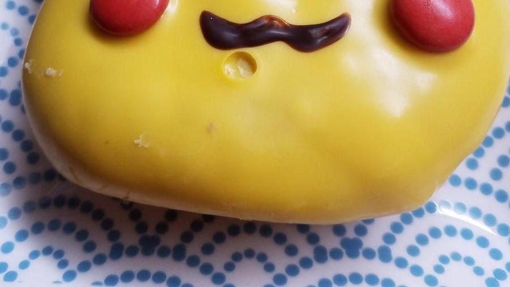 Sedih! Donat Pikachu Ini Ditarik dari Pasaran Karena Bentuknya Aneh