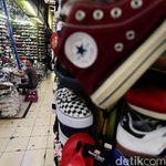 Surga Sepatu Murah di Taman Puring Kini Sepi Pembeli