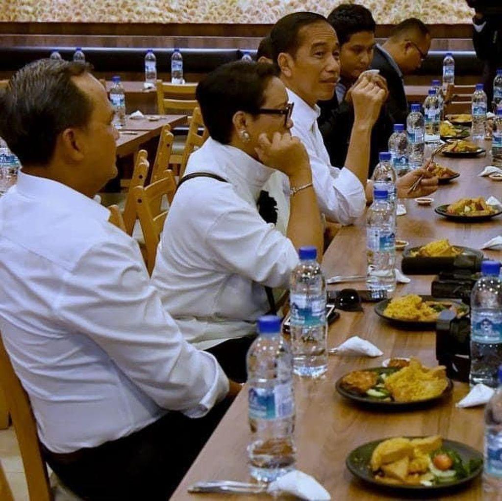 Di Singapura, Jokowi Santap Bebek Goreng, Sayur Asem dan Sambal Terasi