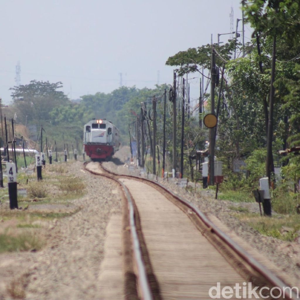 Ditinggikan 1 Meter, PT KA Klaim Jalur Kereta Api di Porong Aman