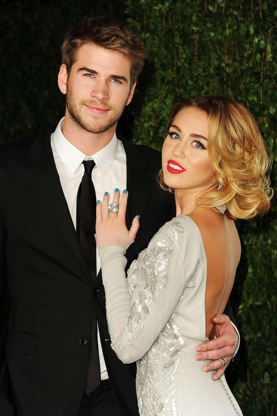 Jadi Korban, Miley Cyrus dan Liam Tetap Donasikan Rp 7,3 Miliar