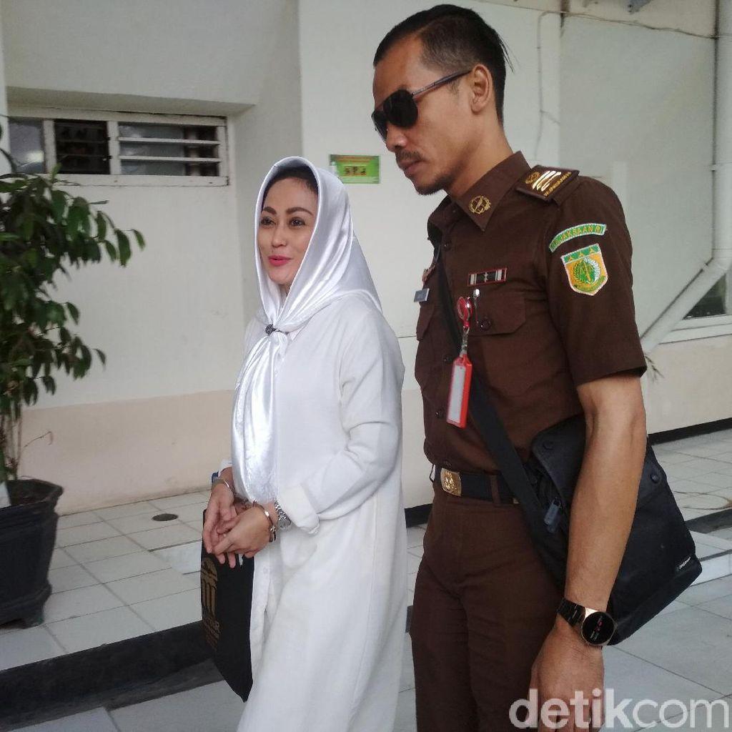 Awal Kedekatan Irjen Pol BS-Sisca Dewi, Hanum Bicara Viral Cyberbully