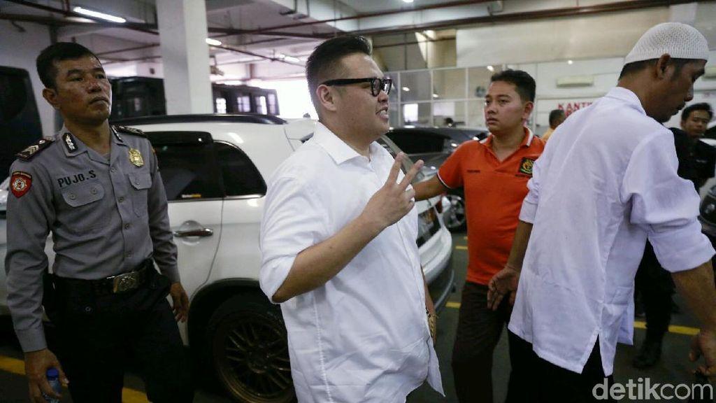 Reza Bukan Jalani Sidang Tanpa Didampingi Pengacara