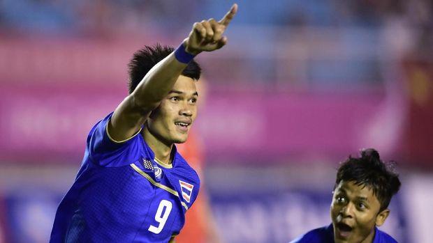 Adisak Kraison jadi andalan baru Timnas Thailand.