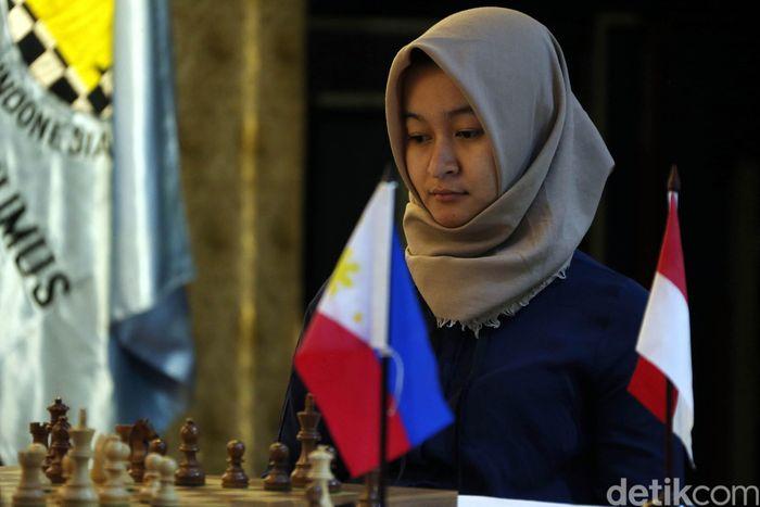 Pecatur putri Indonesia, WGM Medina Warda Aulia mengawali Woman Grand Master (WGM) Duel Match 2018 dengan hasil bagus.