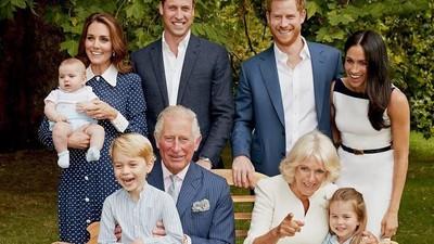 Foto Sekeluarga, Pangeran Louis Disebut Mini-Me Kate Middleton