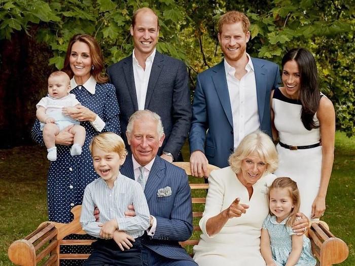 Foto: Pangeran Charles dan keluarga (dok. Clarence House/Twitter)