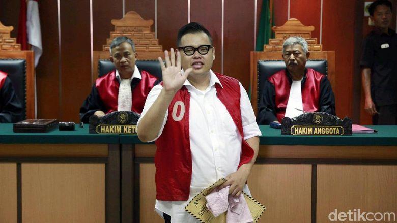 Namun sidang kali ini ia tak didampingi pengacara. Foto: Ismail/detikFoto