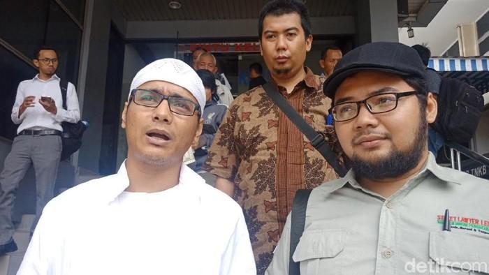 Posting Bendera Teroris Bukan Panji Nabi Abu Janda Dipolisikan