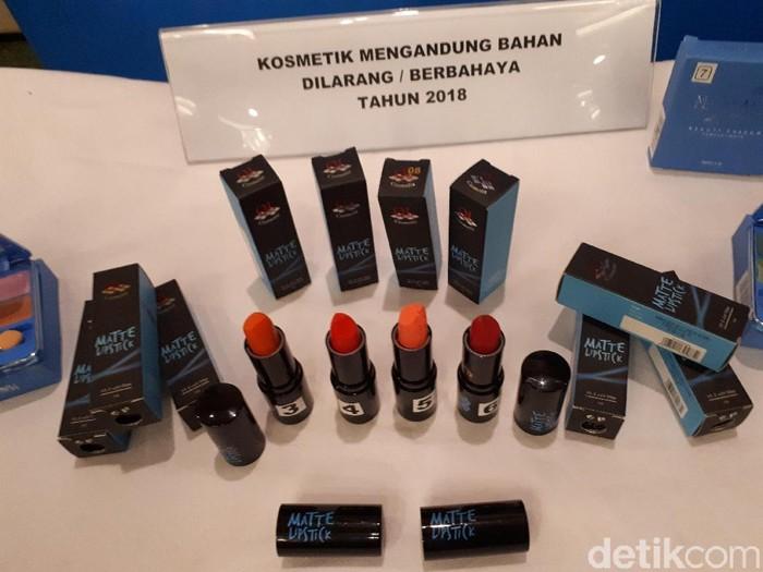 Produk kosmetik ini mengandung bahan beracun (Foto: Widiya Wiyanti/detikHealth)