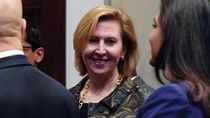 Usai Ditekan Melania, Trump Copot Wakil Penasihat Keamanan