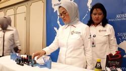 BPOM menyita sejumlah obat tradisional dan kosmetik seperti pensil alis yang ditemukan ilegal atau mengandung bahan kimia. Seperti ini penampakannya.