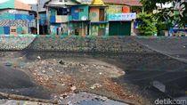 Waring Kali Item Kini: Bolong-bolong, Jadi Tempat Sampah