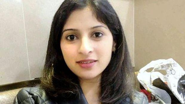 Pria di London Bunuh Wanita Hamil 8 Bulan Pakai Busur Silang