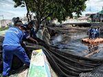 Anies: Waring Kali Item untuk Selesaikan Aroma, Bukan Polusi Air