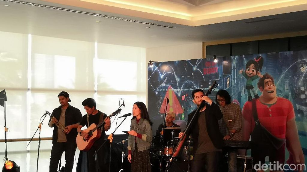 Isi Lagu Ralph Breaks the Internet, Payung Teduh Gandeng Manajer