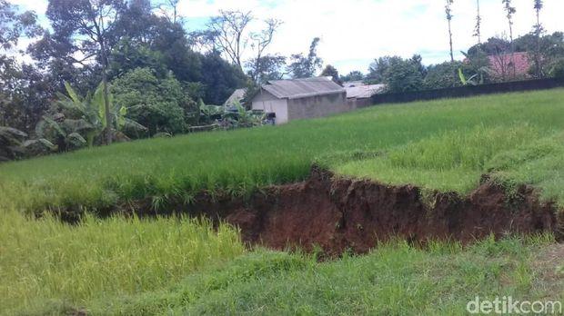 Begini Kondisi Lubang Besar di Sukabumi yang Sempat Heboh