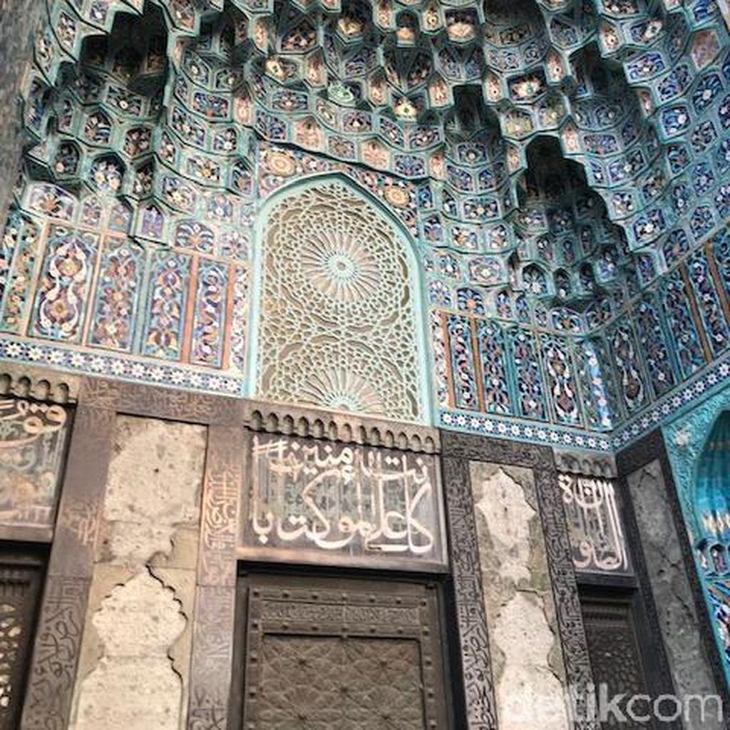Mengenal Masjid Sukarno di Rusia yang Bernuansa Biru