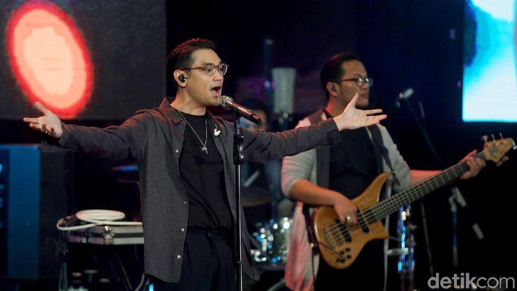 Afgan Senang Jadi Bagian Sejarah Konser Drive In di Indonesia