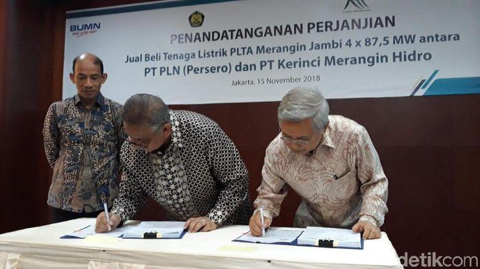 Foto: Kontrak PPA antara PLN dan PT Krinci Merangin Hidro (Danang Sugianto-detikFinance)
