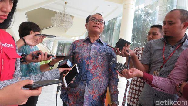 Presiden Institut Otda, Djohermansyah Djohan usai menemui Wapres JK, Kamis (15/11)..