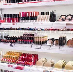 Kenapa Produk Kosmetik yang Sudah Dapat Izin BPOM Bisa Ditarik Kembali?
