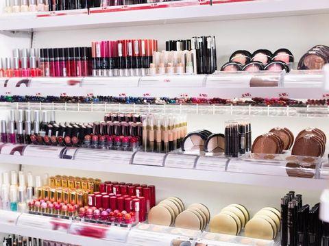 Wanita Jepang Kini Banyak yang Membeli Kosmetik Bekas