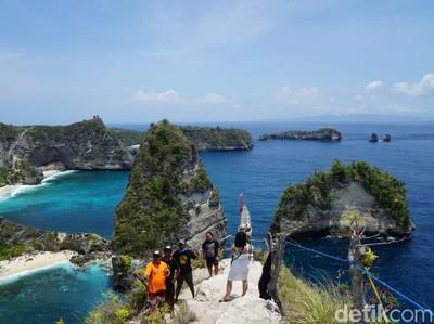 Foto: Raja Lima di Nusa Penida dan Rumah Pohon Instagrammable