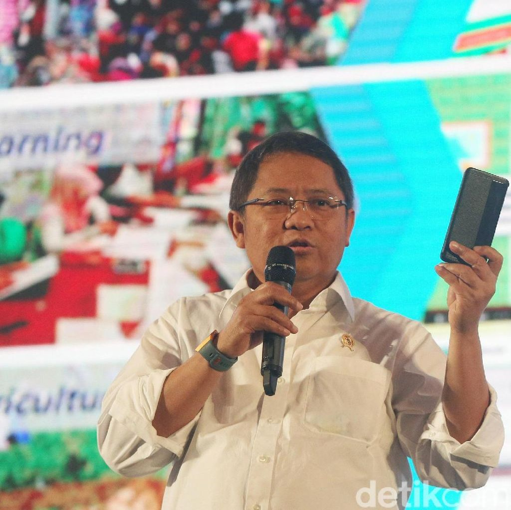 Kisah Menkominfo Nyanyi Sweet Child OMine di Jalanan Surabaya