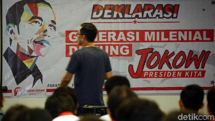 Sekitar kurang lebih 80 orang dari generasi milenial mendukung pasangan Jokowi-Maruf dalam acara deklarasi Relawan Nasional Jokowi, di Jakarta, Kamis (15/11/2018).