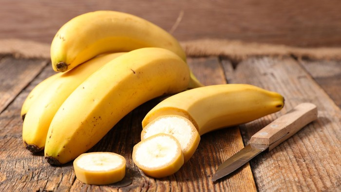 Kira-kira 160 liter air dibutuhkan untuk membuahkan satu pisang ukuran besar. Secara global, 84 persen water footprint pisang datang dari air hujan dan 12 persennya dari irigasi. Foto: Instagram