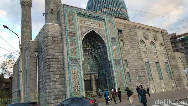 Masya Allah, Megahnya Masjid Sukarno di Rusia!