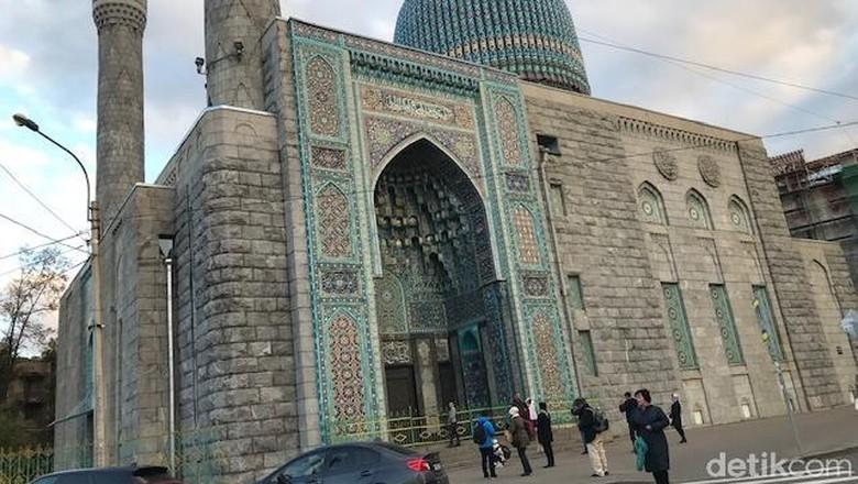 Masjid Sukarno atau Blue Mosque di Rusia (Elizabeth Elza/detikTravel)