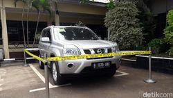 Digaris Polisi, Ini Mobil Korban Pembunuhan Satu Keluarga di Bekasi