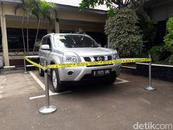 Polisi Periksa HS Pembawa Mobil Korban Pembunuhan Satu Keluarga
