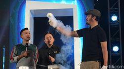 Aksi Molecular Gastronomy Chef Andrian Ishak di Panggung Innocreativation