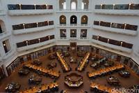 Karena memiliki nilai sejarah, State Library Victoria menyediakan layanan tur khusus untuk pengunjung di sejumlah jadwal (Shinta/detikTravel)