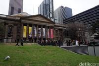 Traveler yang mau ke sini, cukup mudah untuk dijangkau. Bisa naik tram gratis dan turun di Swanston Street atau naik kereta dan turun di Melbourne Central (Shinta/detikTravel)