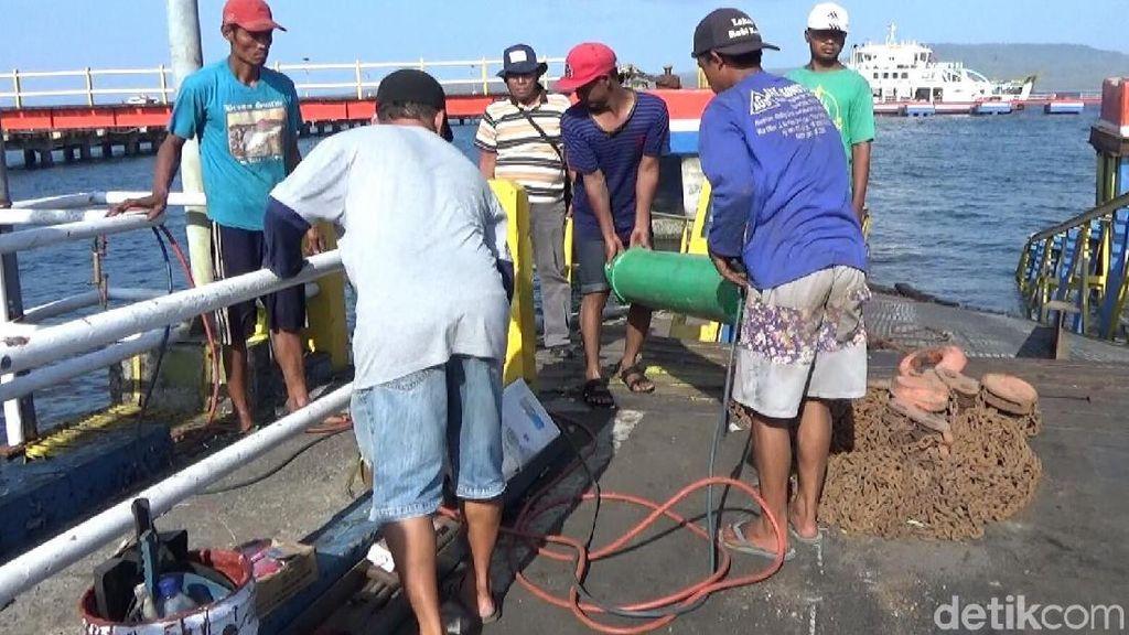 Jelang Libur Akhir Tahun, ASDP Ketapang Lakukan Perbaikan Dermaga