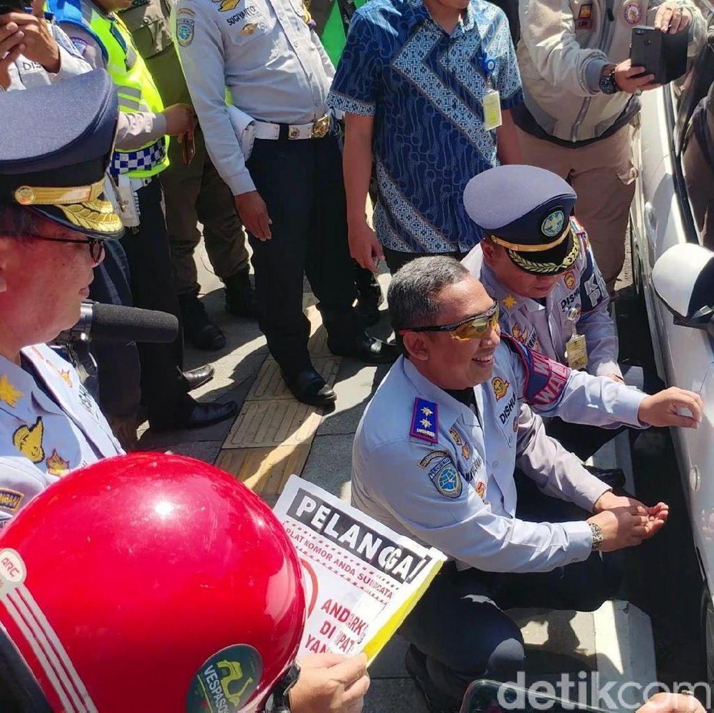Awal Operasi Cabut Pentil, Tiga Mobil di Jalan Riau Jadi Sasaran