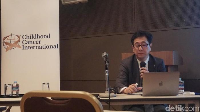 Dr Hiroki Hiro berbicara mengenai late effects pada survivor kanker. Foto: Aisyah Kamaliah/detikHealth