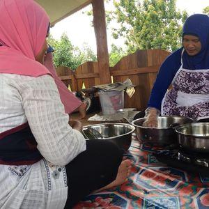 Listrik Nyala 24 Jam, Warga Pulau Ini Beralih ke Kompor Listrik